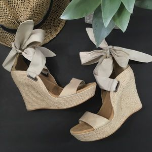 Jules UGG Tan Tie Wedge Sandal Never Worn